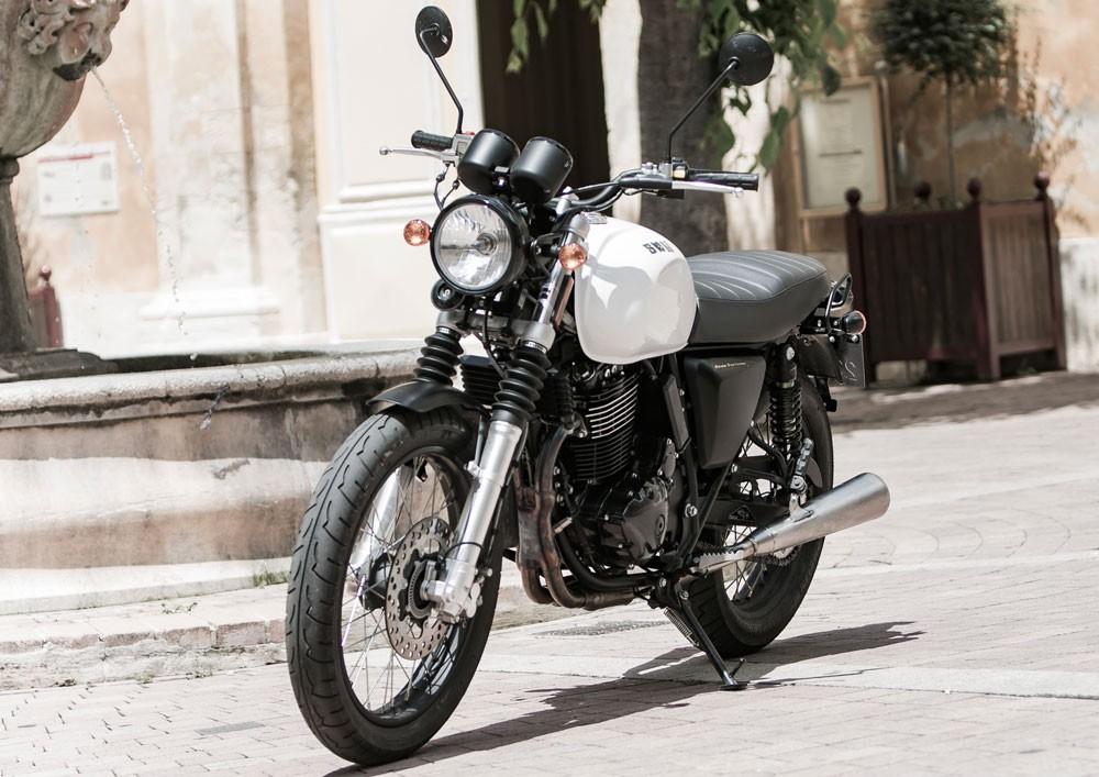 SWM-Gran-Turismo-440-cm³-Noir-mat-ou-blanc-SWM-34