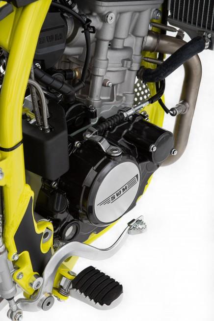 swm-rs-125-r-enduro-motocikli-prormotors-moto-salons 2020 (5)