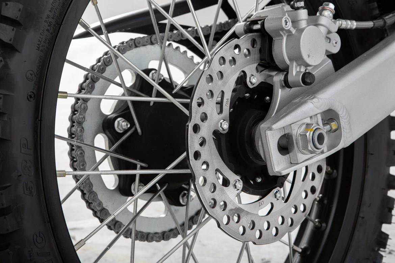 swm-rs-125-r-enduro-motocikli-prormotors-moto-salons 2020 (8)