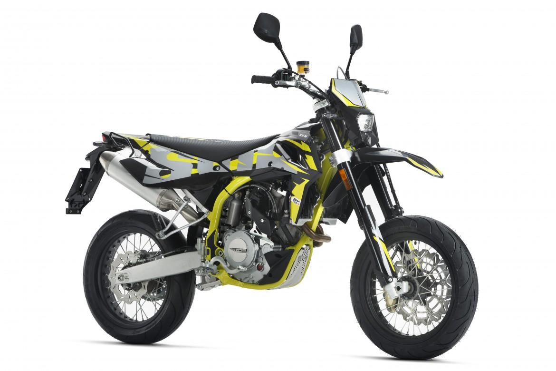 swm-sm-500-r-super-moto-motocikli-prormotors-moto-salons